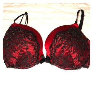 Victoria's Secret Very Sexy Plunge Push-up Bra